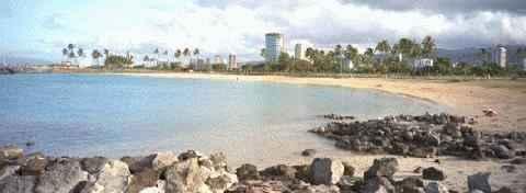 [IMAGE: ALA MOANA BEACH PARK]