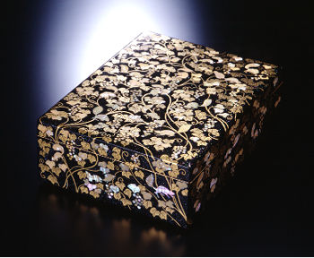 rlacquerware paper-including box with mother-of-pearl inlay