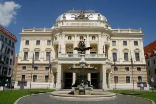 Slovak National Theatre (photo by Ctibor Bachratý)