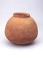 Panari-yaki earthenware